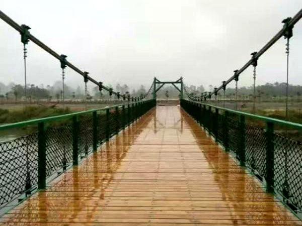 广东珠海小镇风景区悬索桥